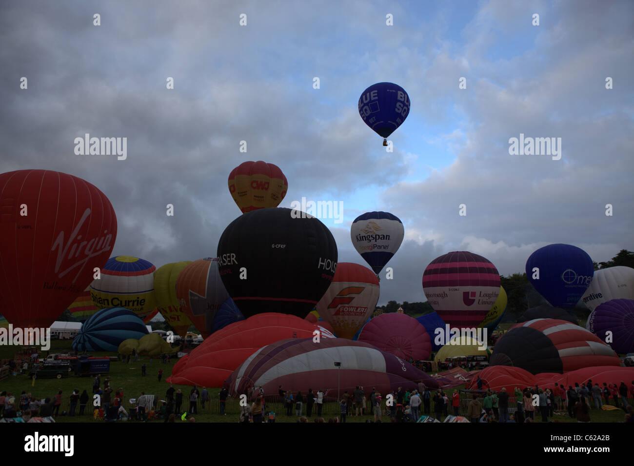 Bristol Balloon Fiesta, Dawn mass ascent - Stock Image