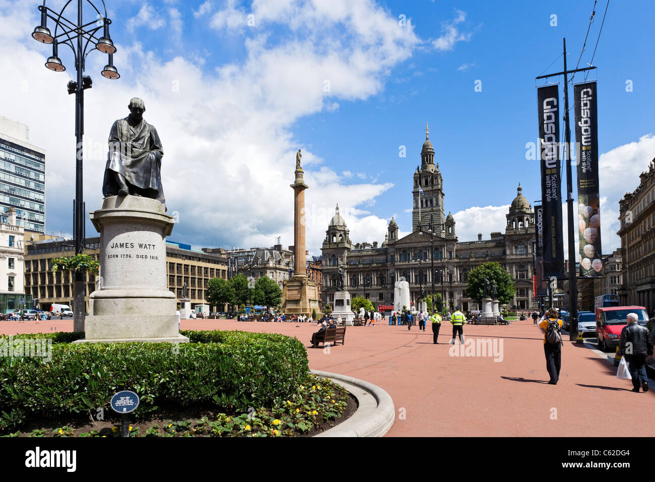George Square in the city centre with City Chambers in background and statue of James Watt in foreground, Glasgow, - Stock Image