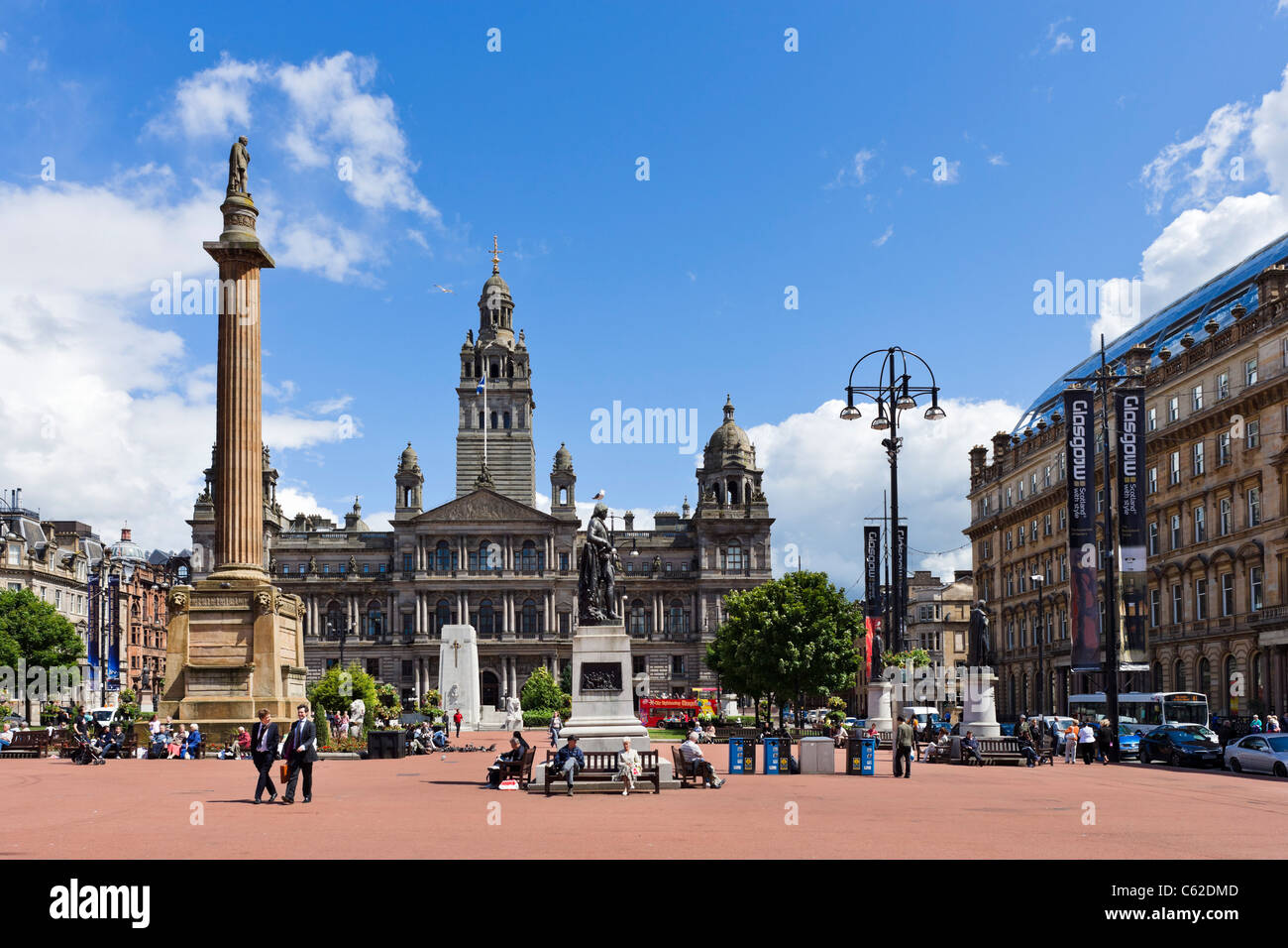 George Square in the city centre with the City Chambers in the background, Glasgow, Scotland, UK - Stock Image