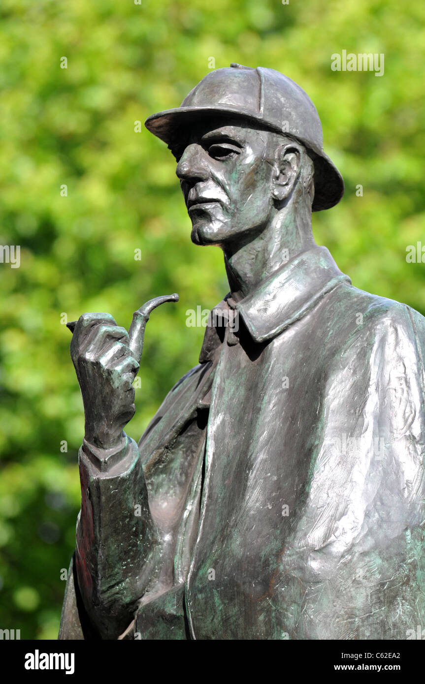 Sherlock Holmes statue, Baker Street, Marylebone, London, Britain, UK - Stock Image