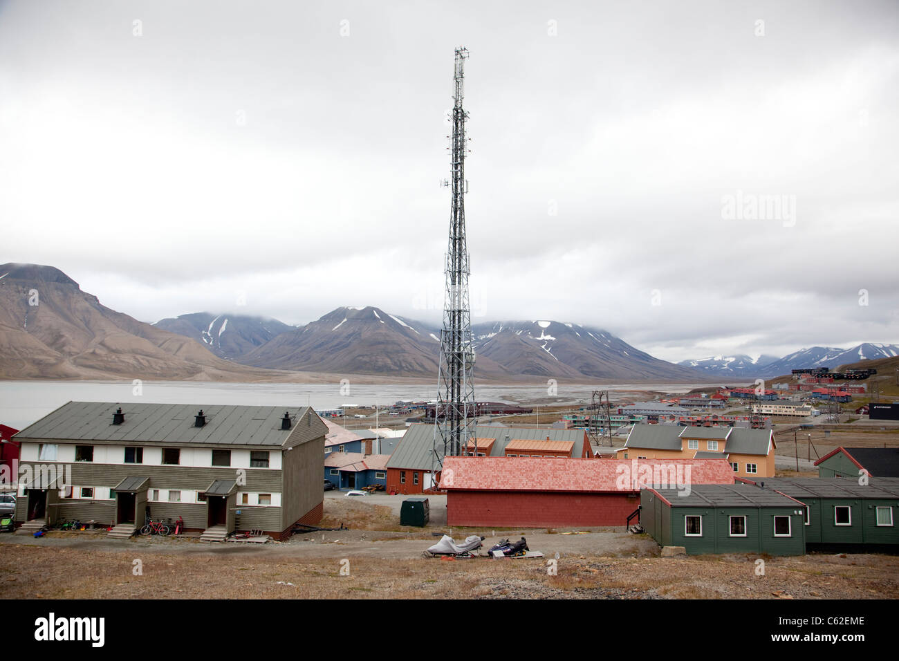 Image shows Longyearbyen, the largest settlement of Svalbard archipelago, Norway. Photo:Jeff Gilbert Stock Photo