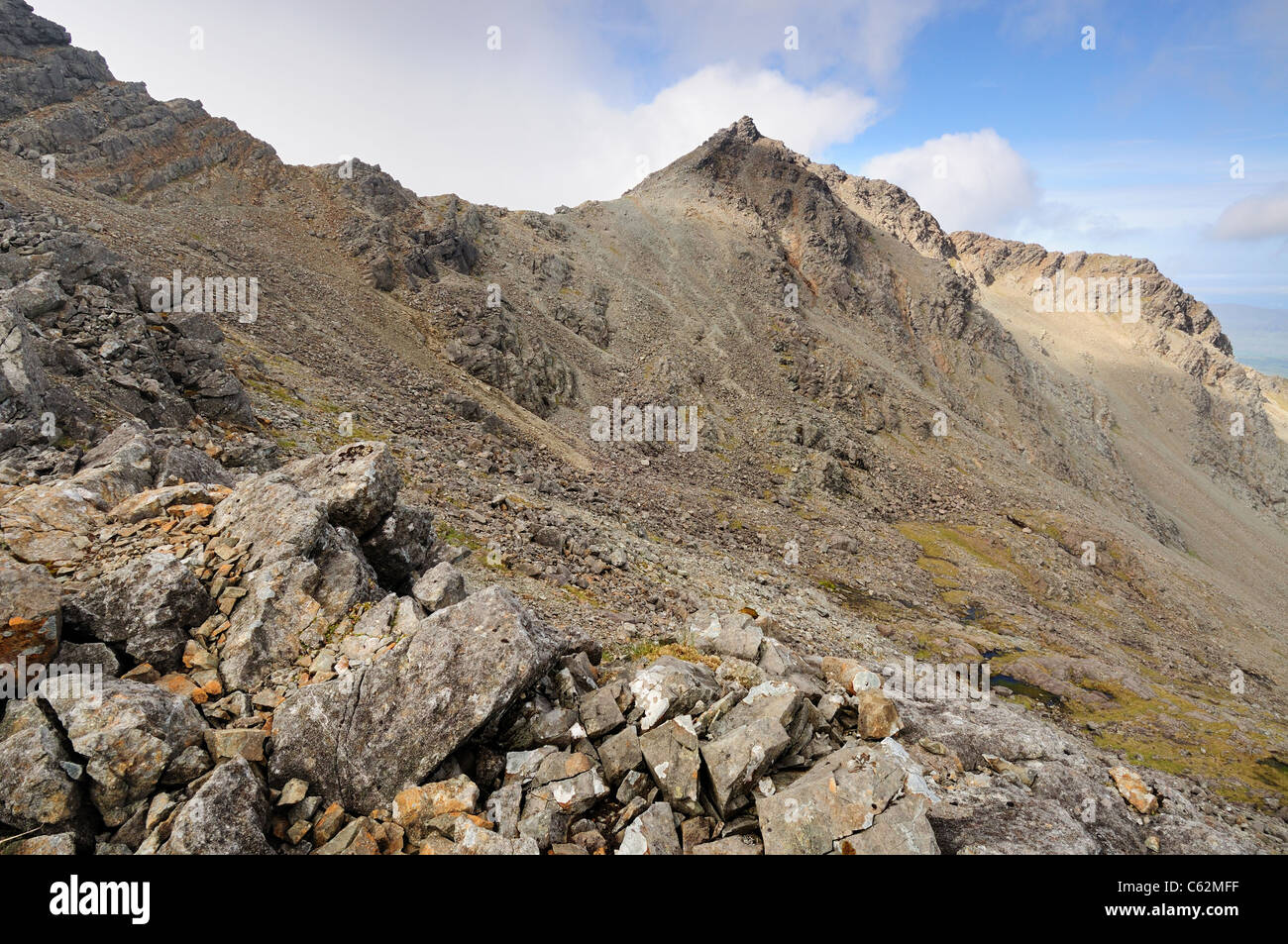 View towards the summit of Bruach na Frithe from the Bealach nan Lice, Black Cuillin mountains, Isle of Skye, Scotland - Stock Image