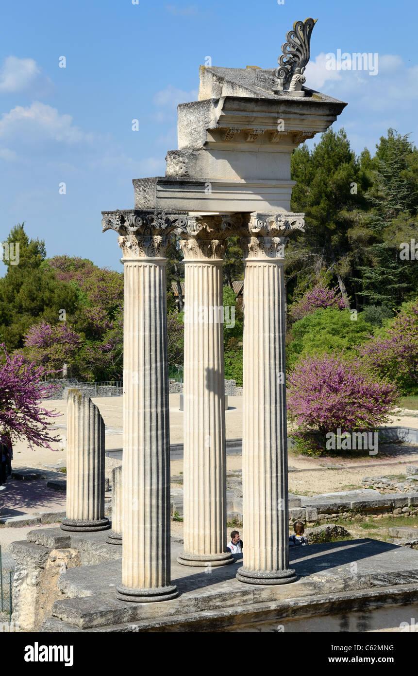 Roman Temple and Corinthian Columns at the Ancient Roman City of Glanum near Saint-Rémy-de-Provence Provence - Stock Image