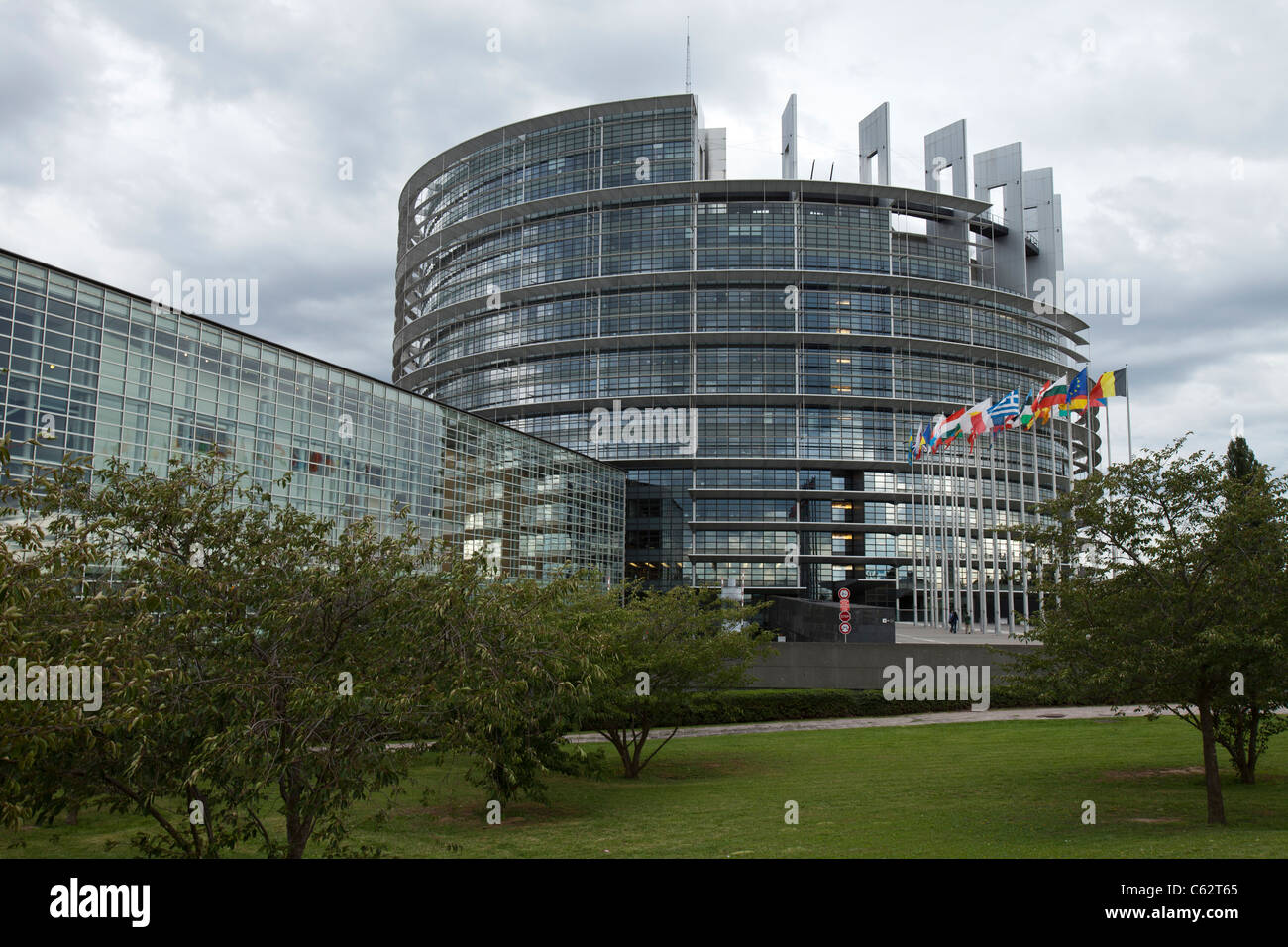 """the european parliament and the notion of The european union is a supranational entity with a neo-functionalist tradition due to the institutional set-up of the european commission (""""ec""""), the european parliament (""""ep""""), and the."""
