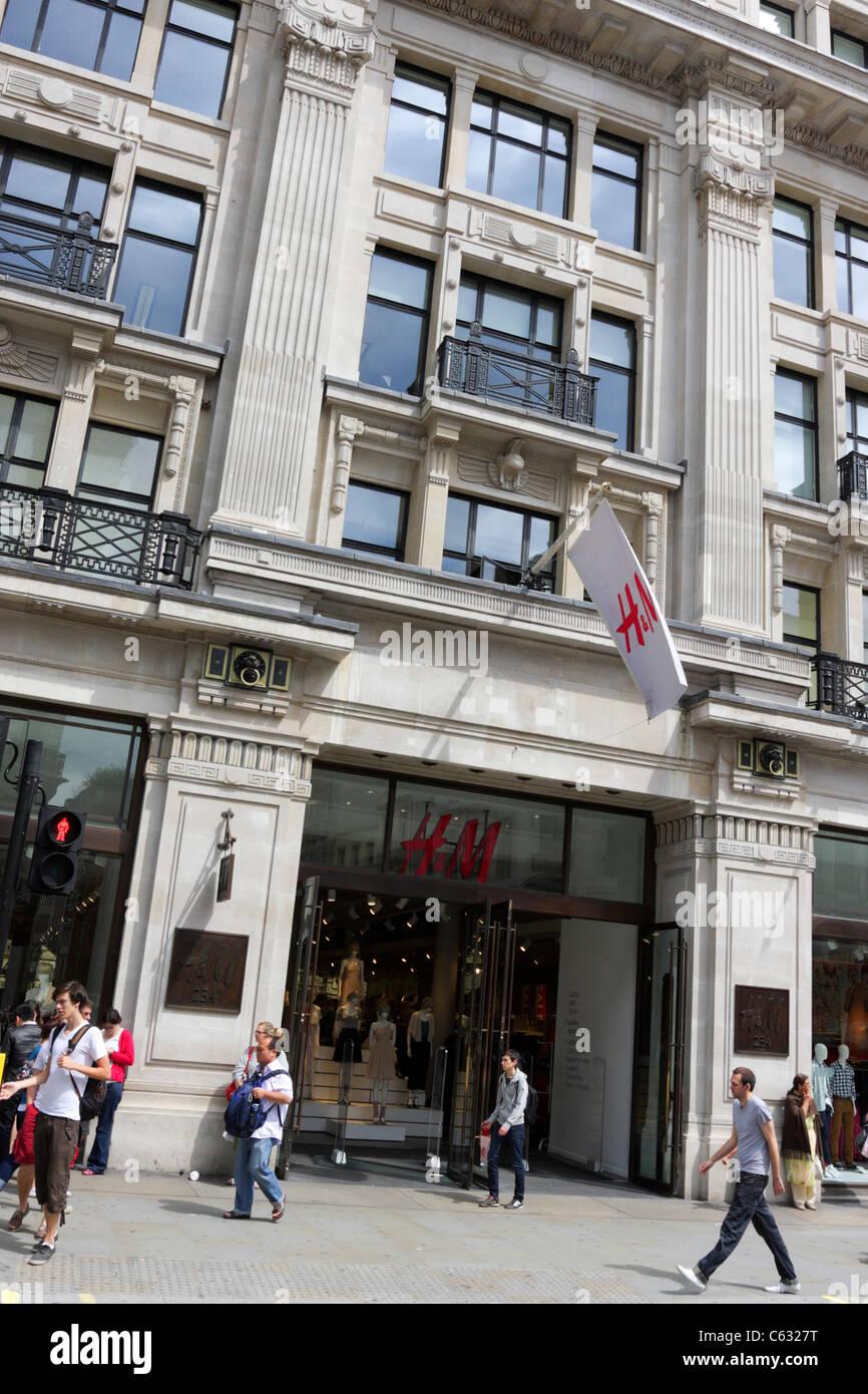 Front facade of retailer H&M in Regent Street, London. - Stock Image