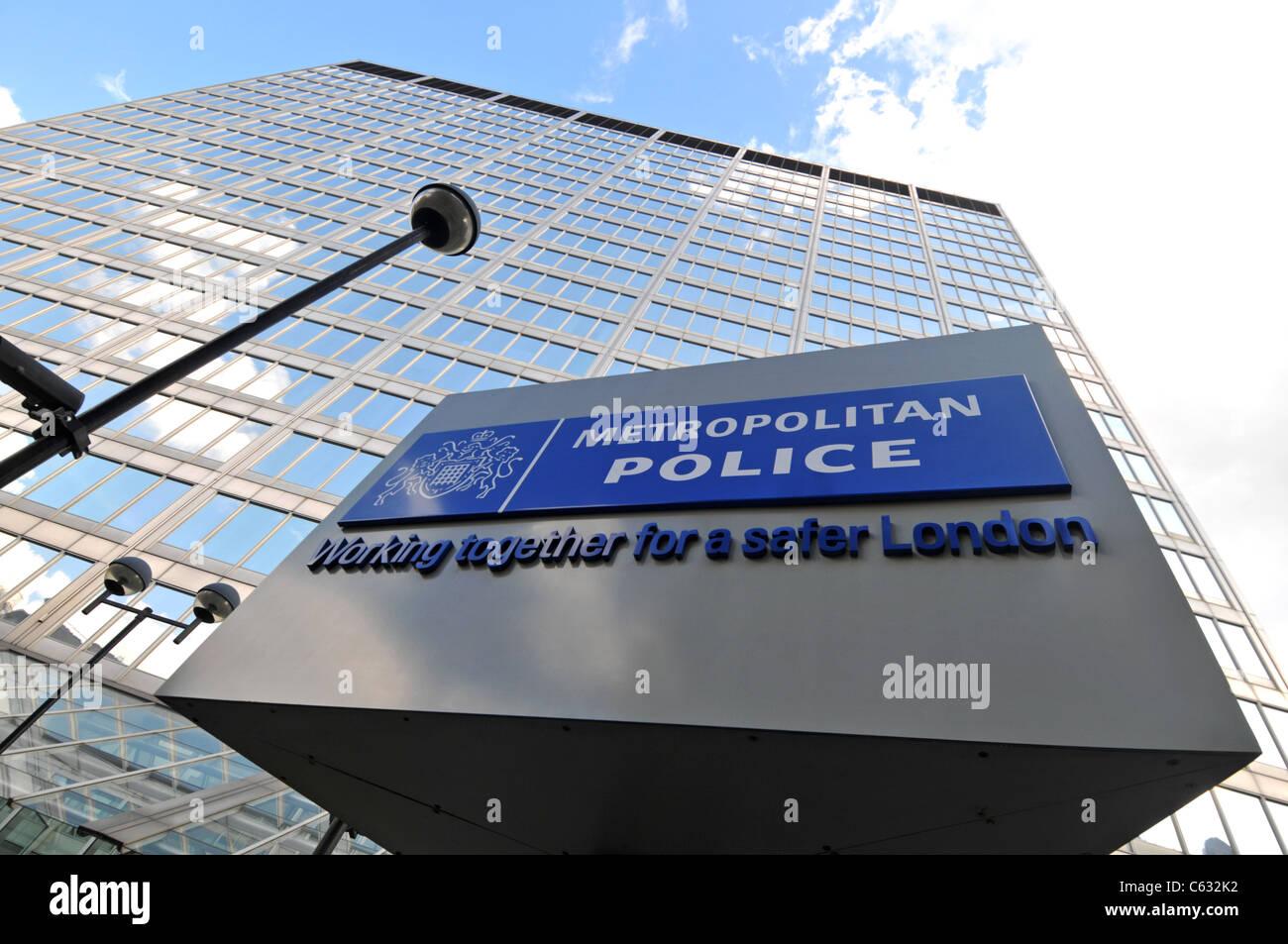Metropolitan Police Headquarters, New Scotland Yard, London, Britain, UK - Stock Image