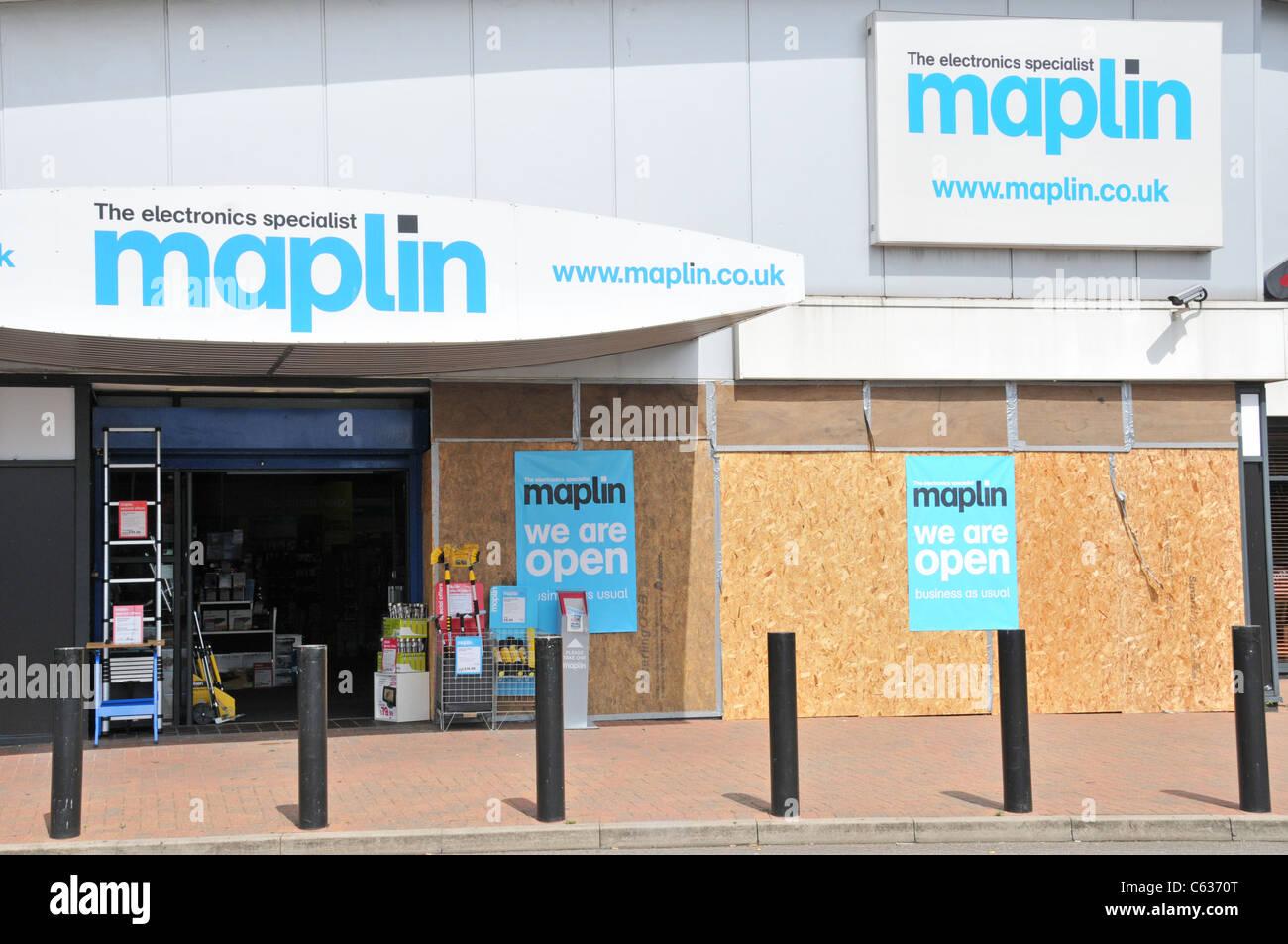 London Riots Tottenham Hale retail park looted - Stock Image