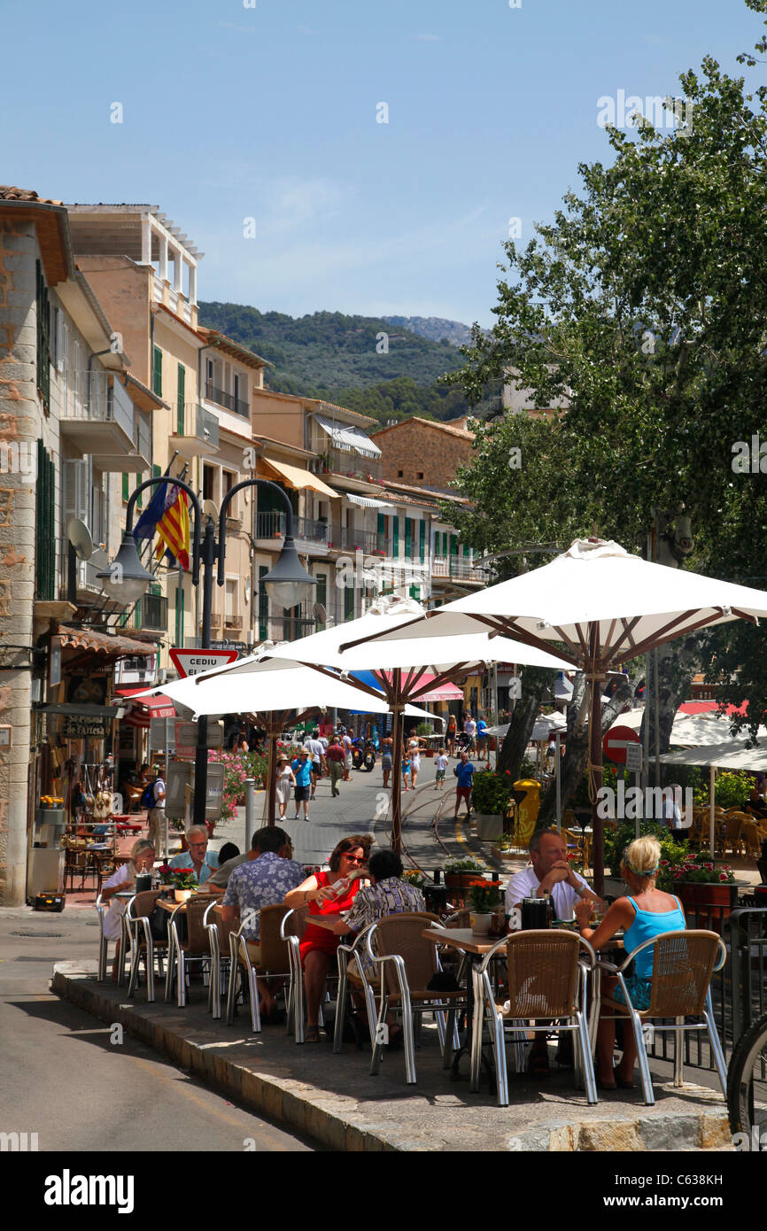 Cafes in the town at Puerto Soller in Majorca. - Stock Image