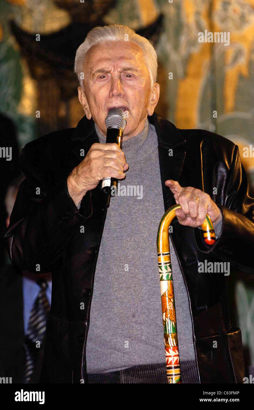 Kirk Douglas at a hand and footprint ceremony for Jack Valenti at Grauman's Chinese Theatre, Los Angeles, CA, - Stock Image