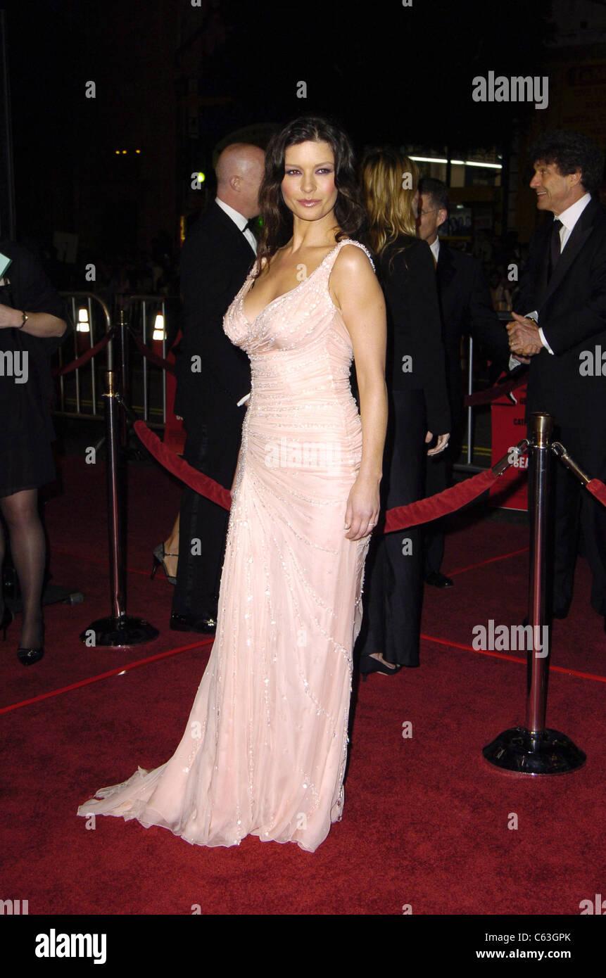 Catherine Zeta Jones At The Premiere Of OCEANS TWELVE In Los Angeles December 8