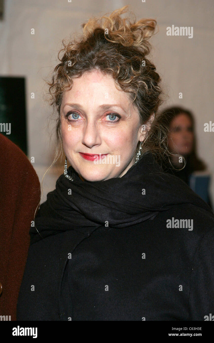 Carol Kane at the premiere of THE LIFE AQUATIC WITH STEVE ZISSOU at the Ziegfeld Theater, New York, December 9, - Stock Image