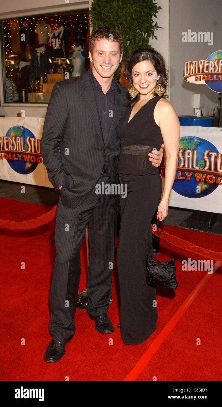 Kali Rocha and guest at premiere of MEET THE FOCKERS, Los Angeles, CA December 16, 2004. Photo by: John Hayes/Everett - Stock Image