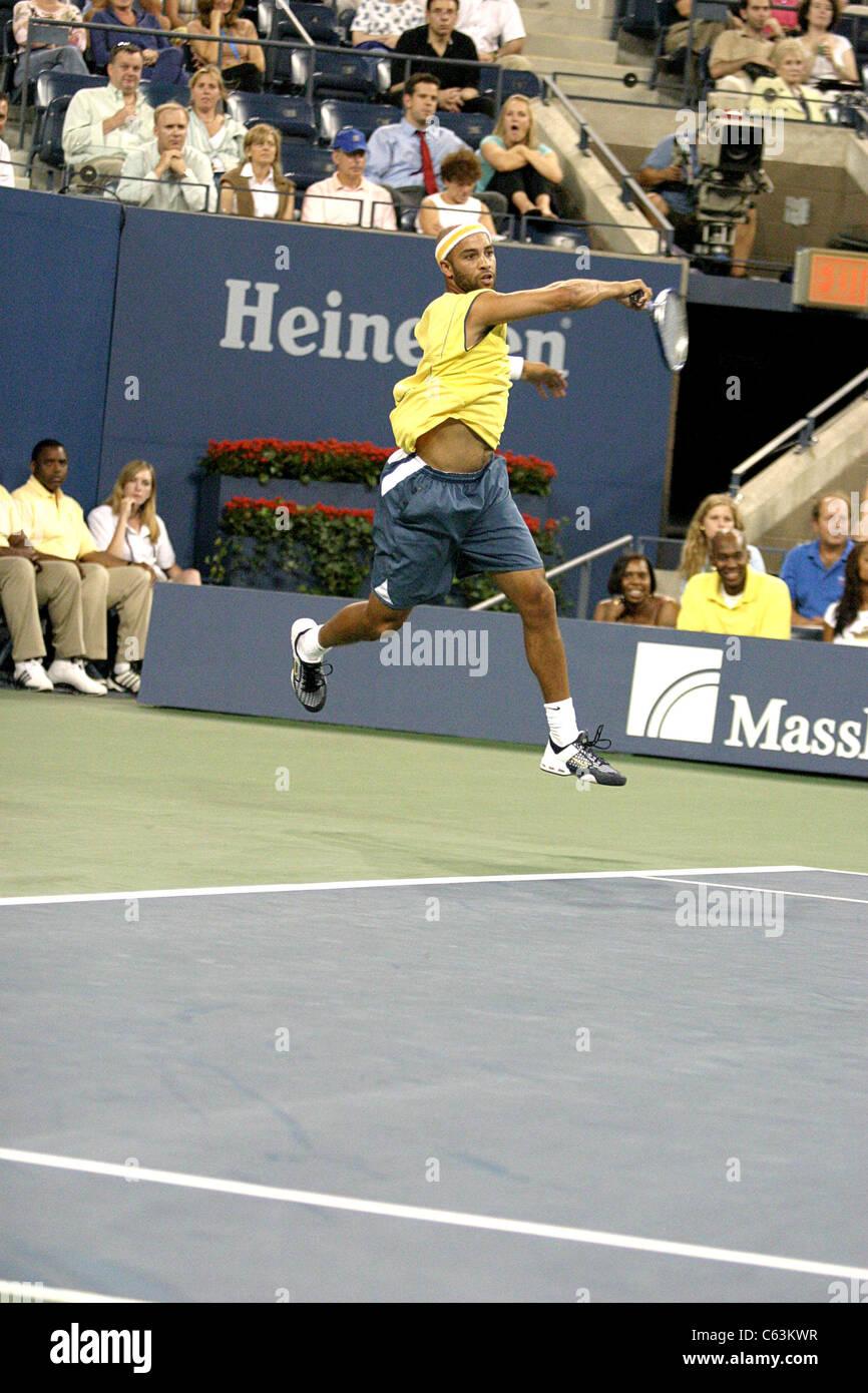 James Blake inside for U.S. Open Tennis Tournament, Arthur Ashe Stadium, Flushing, NY, September 01, 2005. Photo - Stock Image