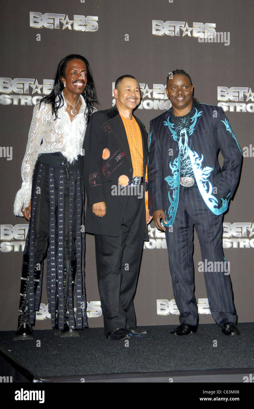 Earth, Wind and Fire in the press room for BET Silver Anniversary Celebration, The Shrine Auditorium, Los Angeles, - Stock Image