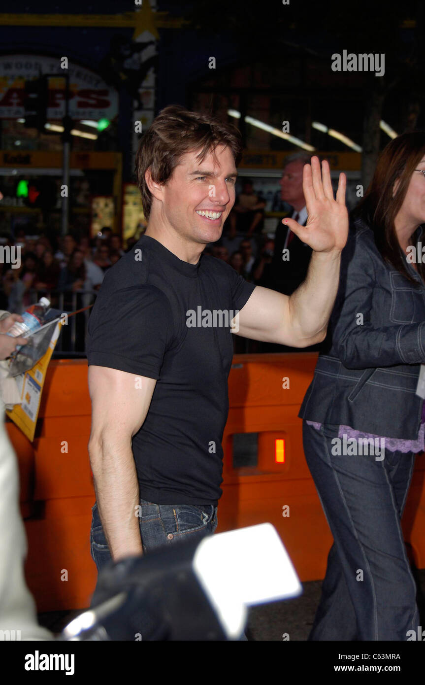 Tom Cruise at arrivals for War of the Worlds Premiere, Grauman's Chinese Theatre, Los Angeles, CA, Monday, June - Stock Image