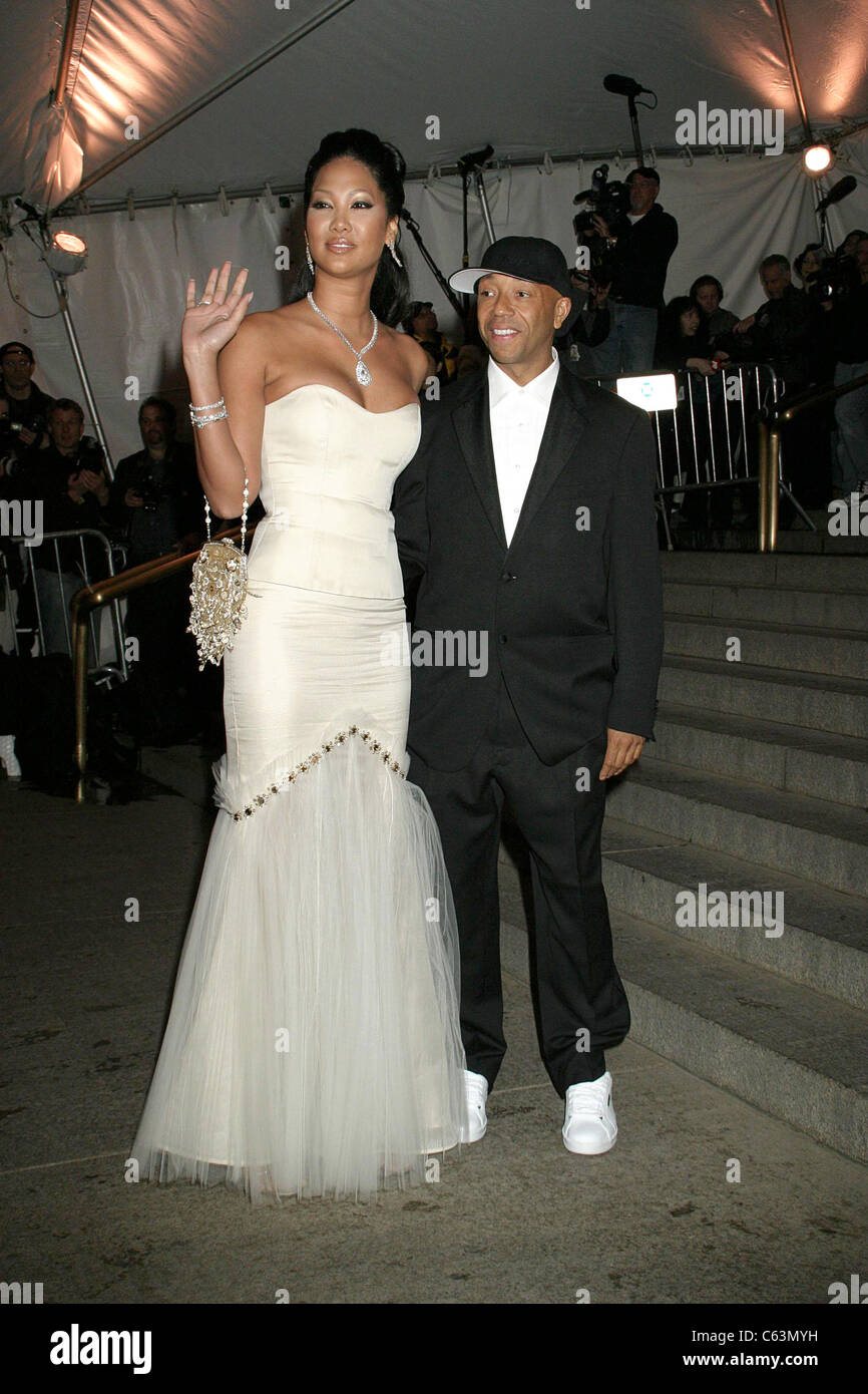 kimora lee simmons russell simmons at arrivals for costume institute stock photo 38190981 alamy. Black Bedroom Furniture Sets. Home Design Ideas