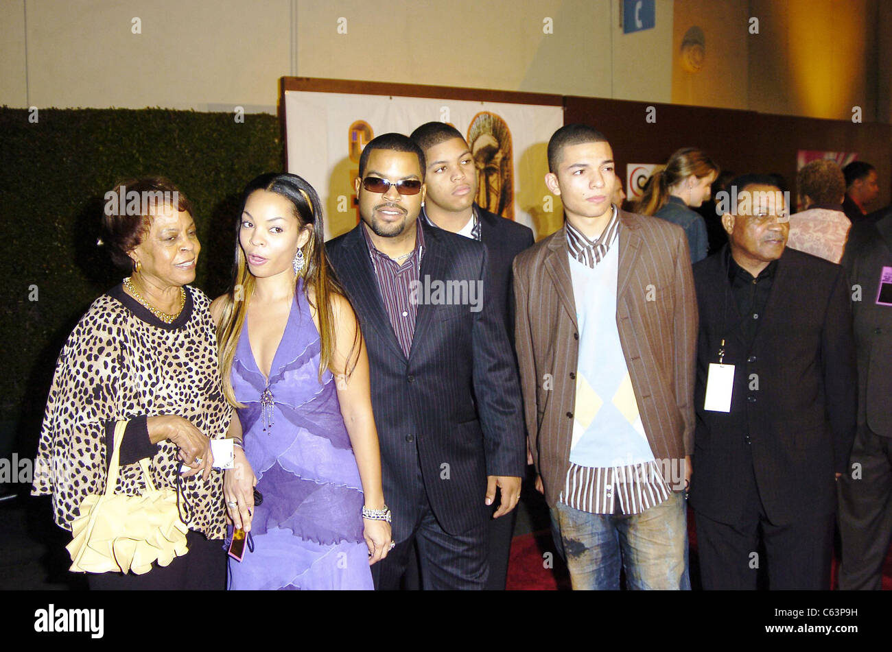 Mother, Kim Jackson, Ice Cube, sons at arrivals for 2005 Soul Train Music Awards, Paramount Studios, Los Angeles, - Stock Image