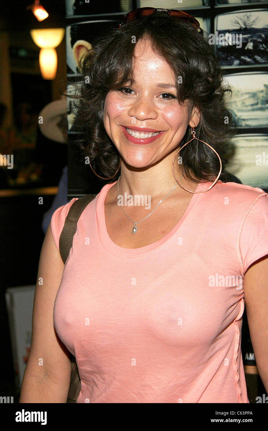 Rosie Perez Nude Photos 19
