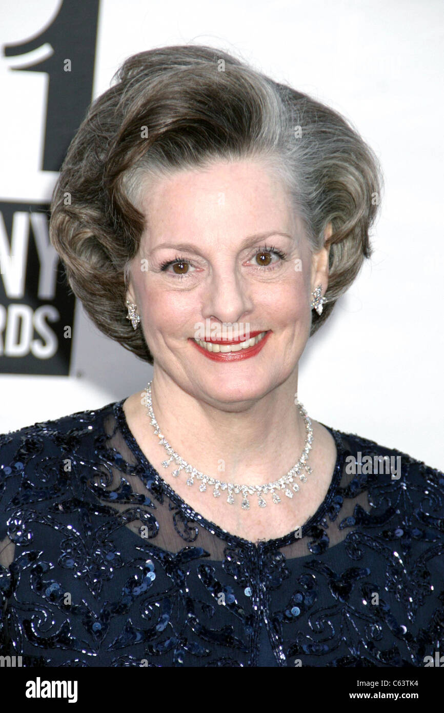 picture Dana Ivey