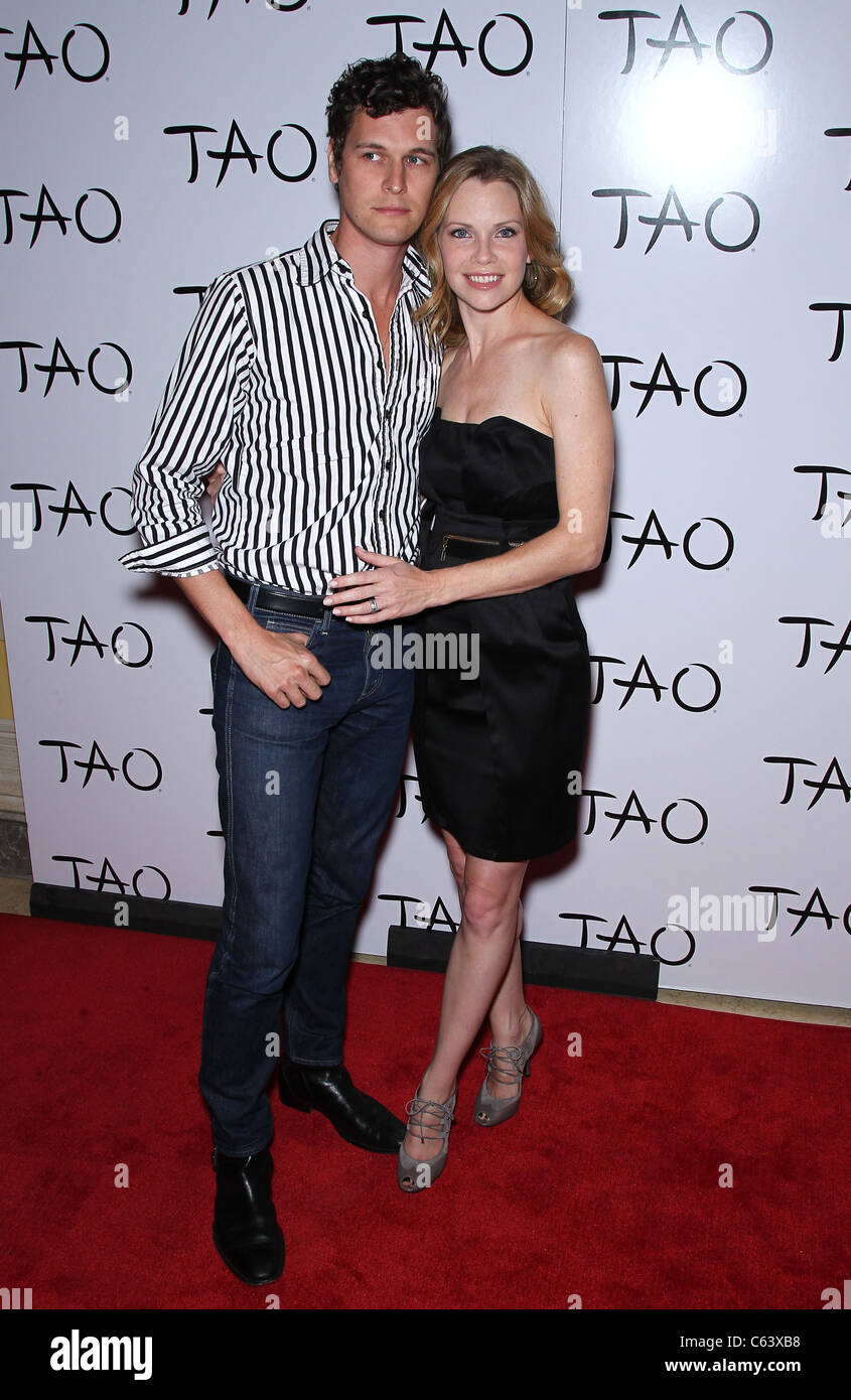 Ned Brower, Sarah Jane Morris at arrivals for Fifth Anniversary Party for TAO Las Vegas, TAO Nightclub at The Venetian - Stock Image