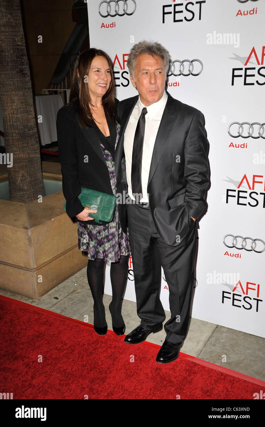 Lisa Gottsegen, Dustin Hoffman at arrivals for AFI Fest Centerpiece Gala - Barney's Version Premiere, The Egyptian - Stock Image