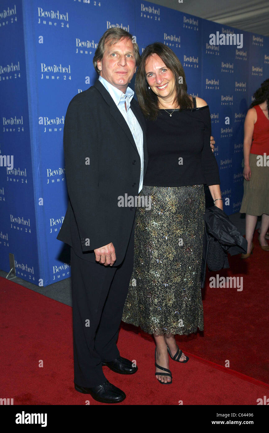 Doug Wick, Lucy Fisher at arrivals for BEWITCHED World Premiere, The Ziegfeld Theatre, New York, NY, June 13, 2005. - Stock Image