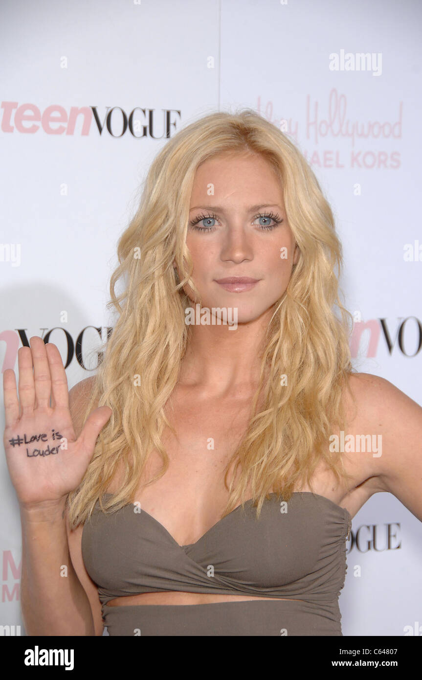 Young Brittany Snow nude photos 2019