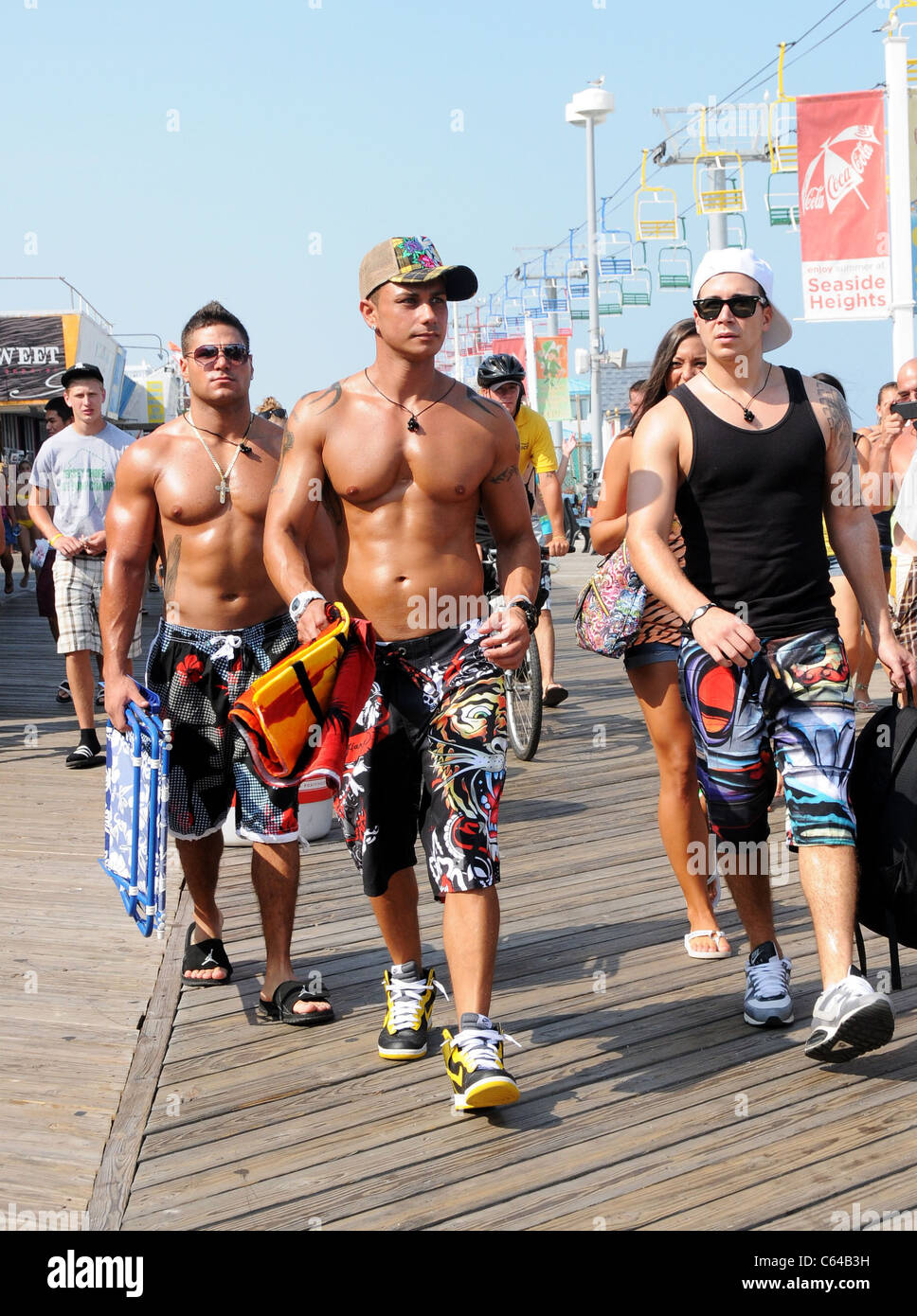 Ronnie Ortiz Magro Paul Delvecchio DJ Pauly D Vinny Guadagnino Out And About For JERSEY SHORE Season Two Celebrity Candids