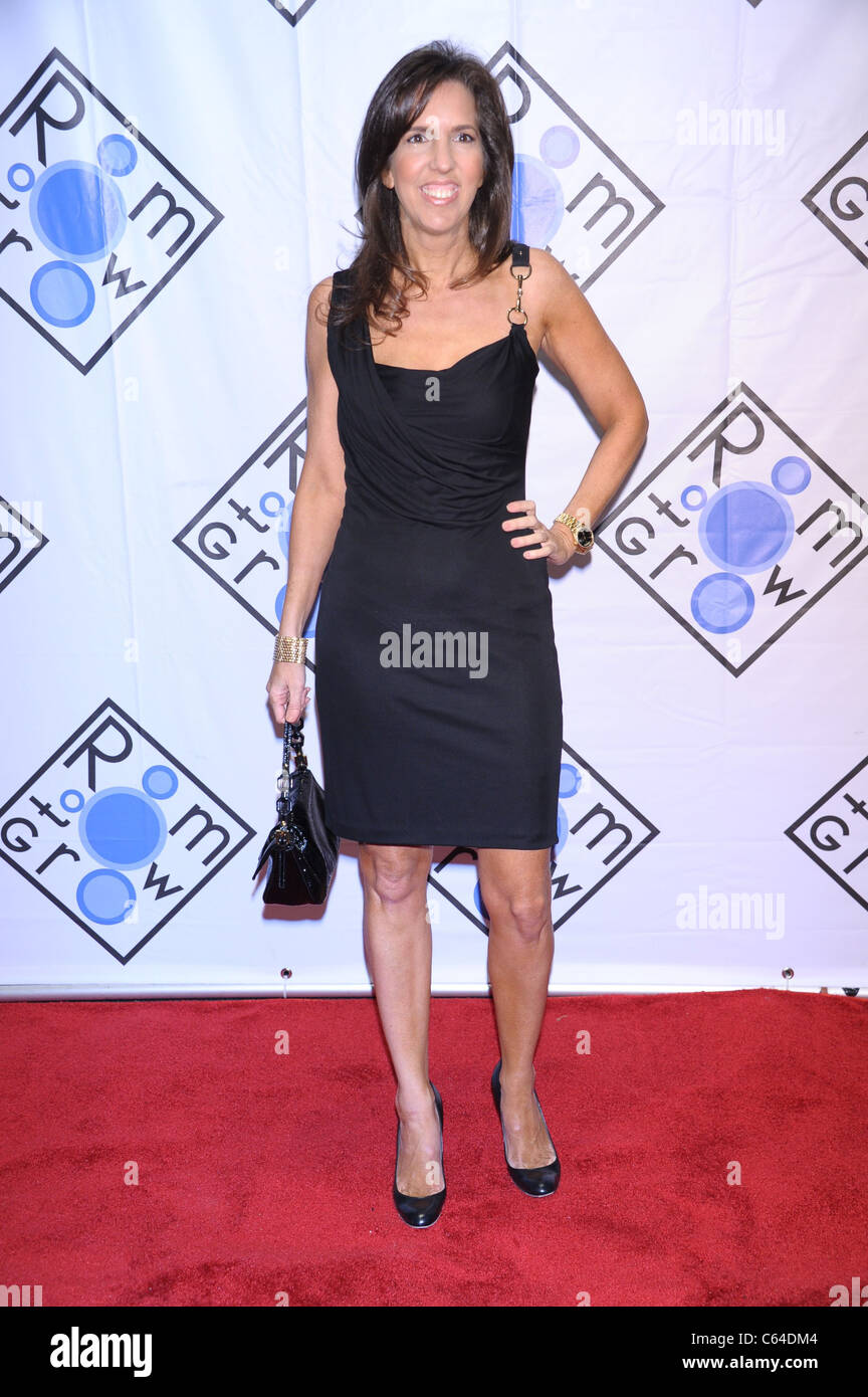 Liz Lange at arrivals for ROOM TO GROW 2010 Benefit Gala, Christie's auction house, New York, NY December 2, - Stock Image