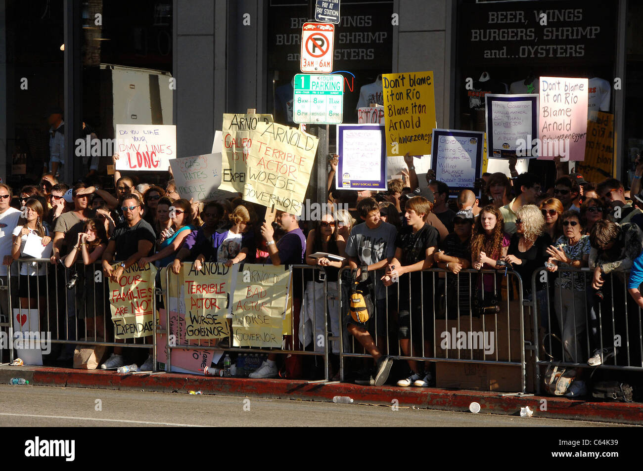 Protestors at arrivals for THE EXPENDABLES Premiere, Grauman's Chinese Theatre, Los Angeles, CA August 3, 2010. - Stock Image