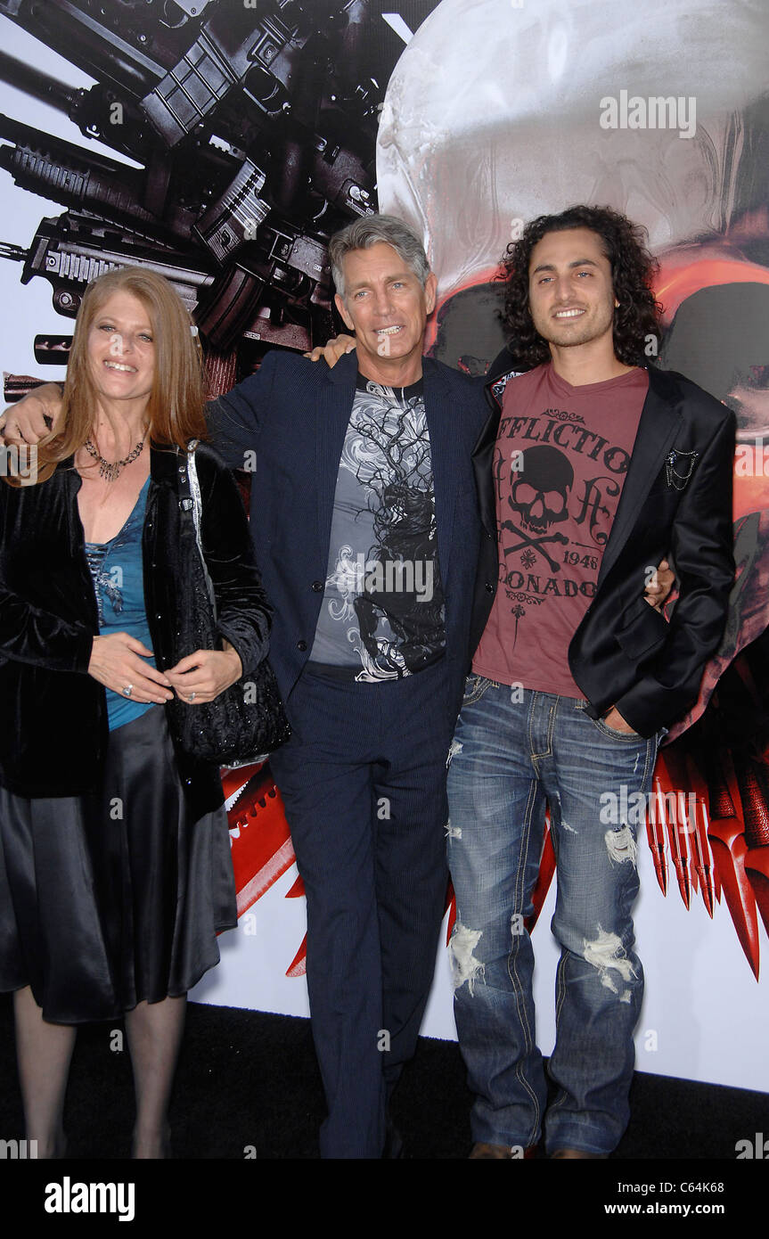 Eliza Roberts, Eric Roberts, Keaton Simons at arrivals for THE EXPENDABLES Premiere, Grauman's Chinese Theatre, - Stock Image