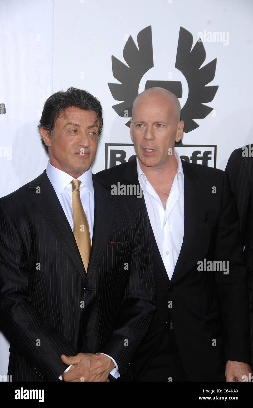 Sylvester Stallone, Bruce Willis at arrivals for THE EXPENDABLES Premiere, Grauman's Chinese Theatre, Los Angeles, - Stock Image