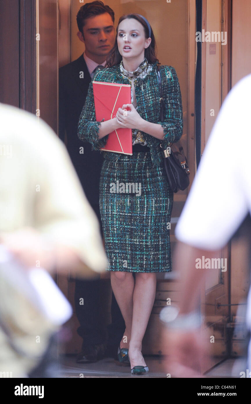 Ed Westwick, Leighton Meester, film a scene at the 'Gossip Girl' film set in the Upper West Side of Manhattan - Stock Image