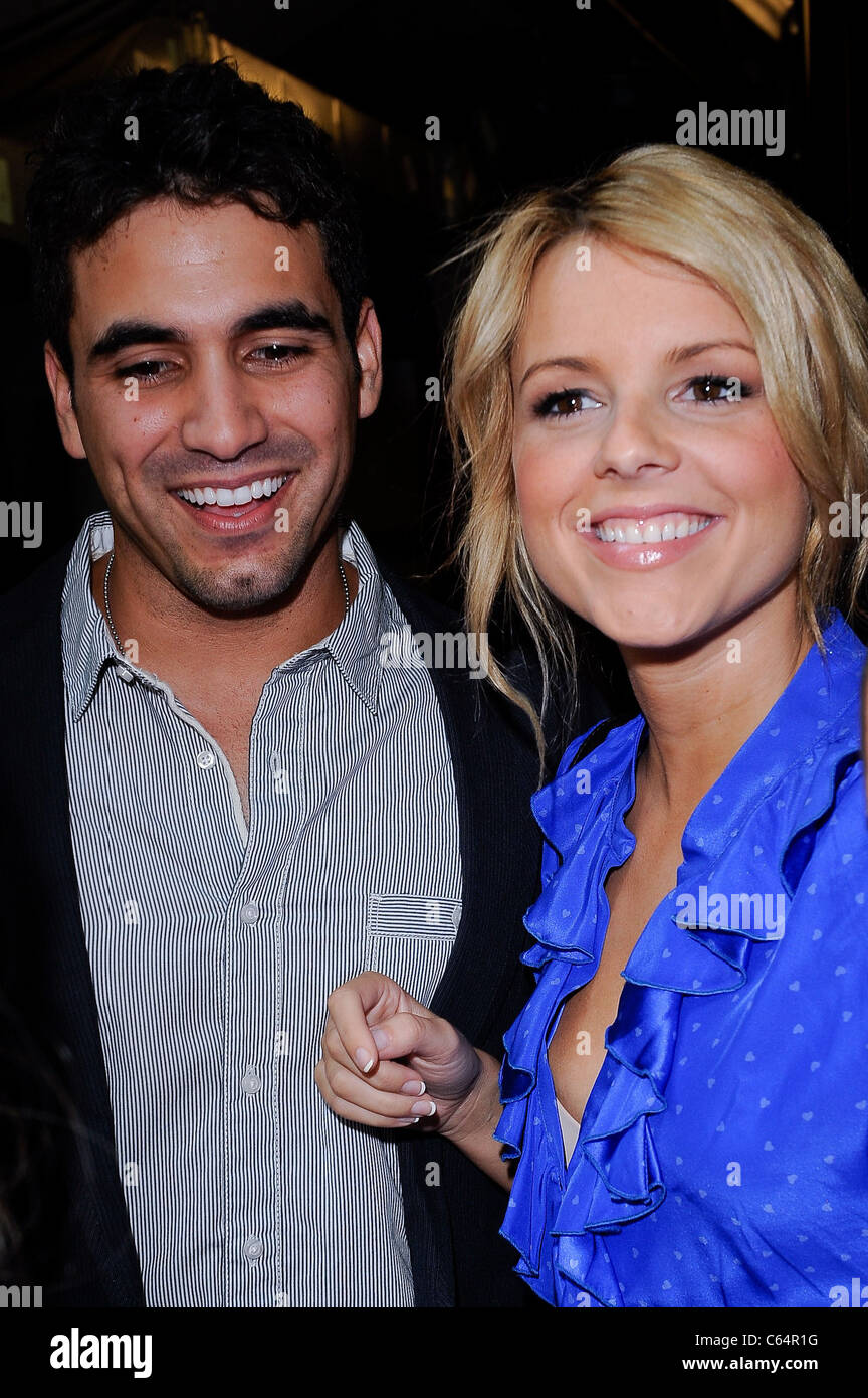 Television personalities Roberto Martinez, Ali Fedotowsky, visit 'Live With Regis And Kelly' at the ABC - Stock Image