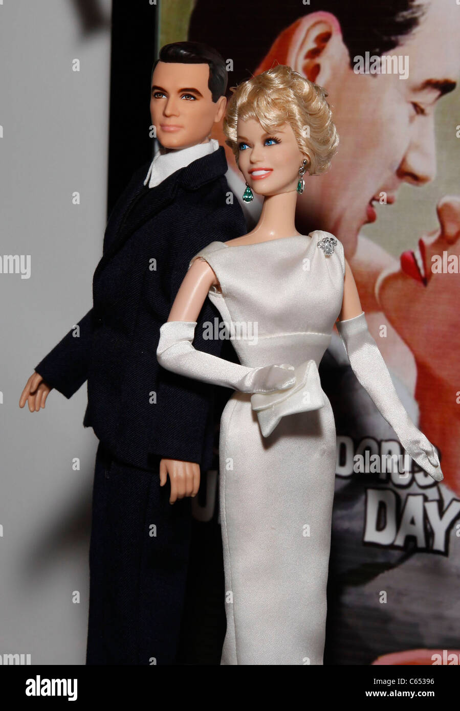 DOLL IS NOT INCLUDED BARBIE PILLOW TALK DORIS DAY WHITE GOWN  /& ACCESSORIES NEW