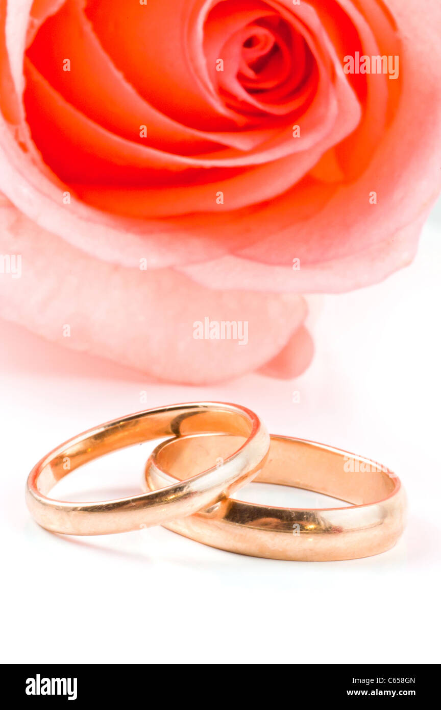 Gold Wedding Bands Stock Photos & Gold Wedding Bands Stock Images ...