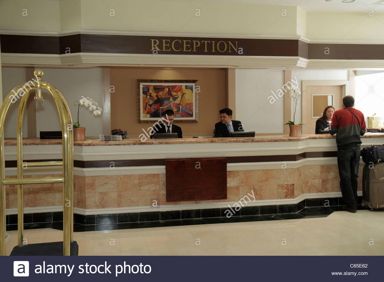 Manhattan New York City Nyc Ny Midtown Sheraton New York Hotel And Rh Alamy  Com Hotel Front Desk Jobs Nyc Salary Front Desk Hotel Jobs New York