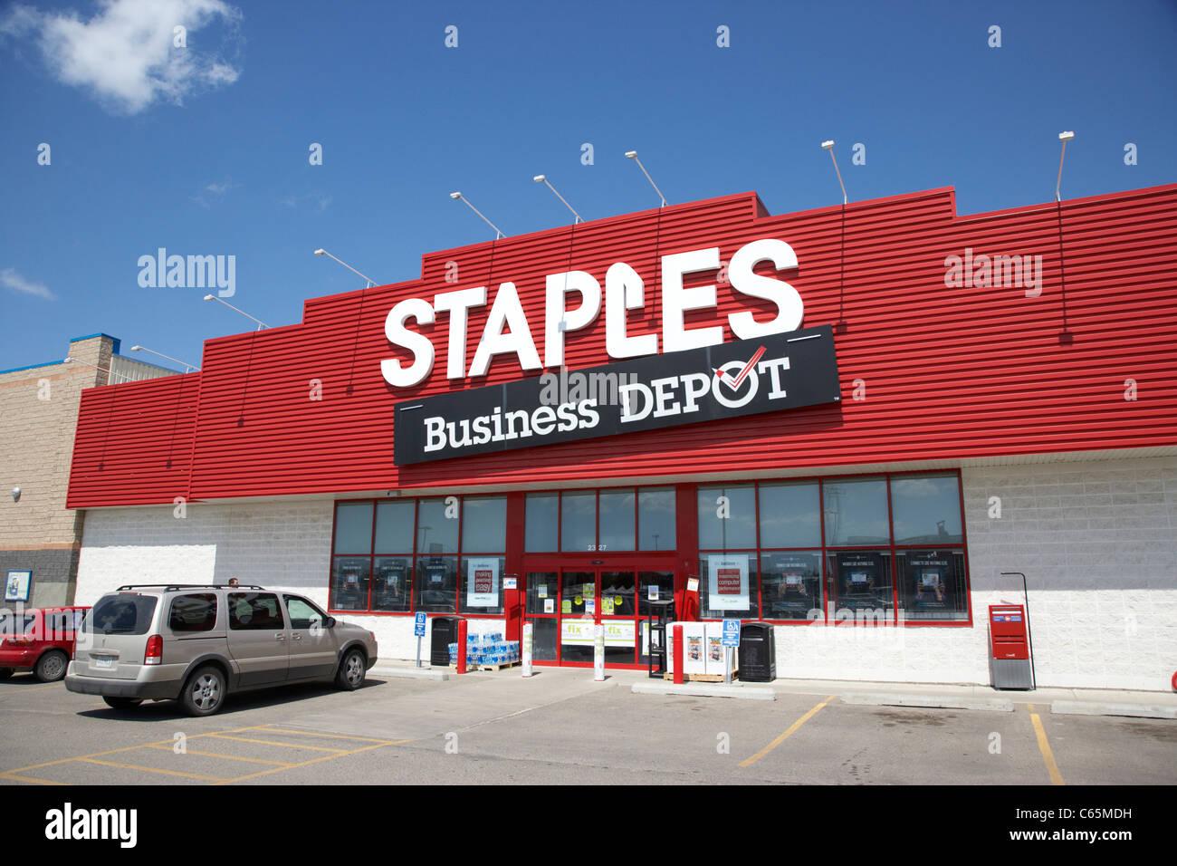 staples business depot retail store Saskatoon Saskatchewan Canada - Stock Image