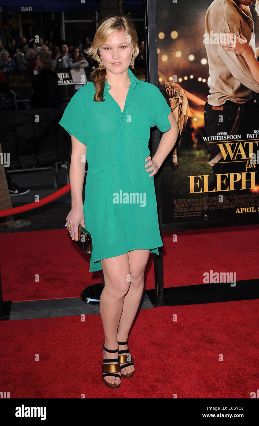 Julia Stiles at arrivals for WATER FOR ELEPHANTS Premiere, The Ziegfeld Theatre, New York, NY April 17, 2011. Photo - Stock Image