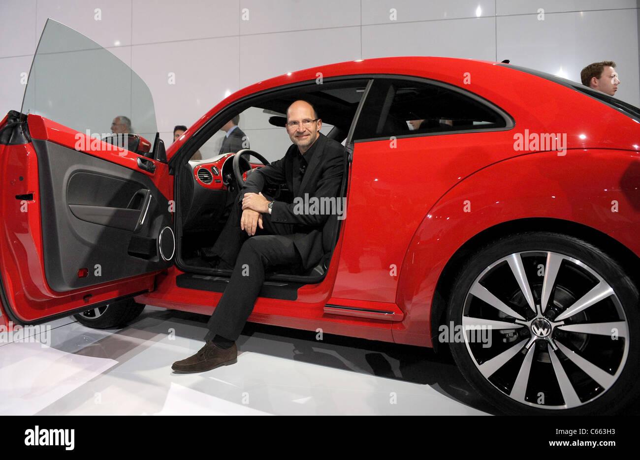 21 Century Auto >> Volkswagen Unveils 21st Century Vw Beetle Automobile Stock