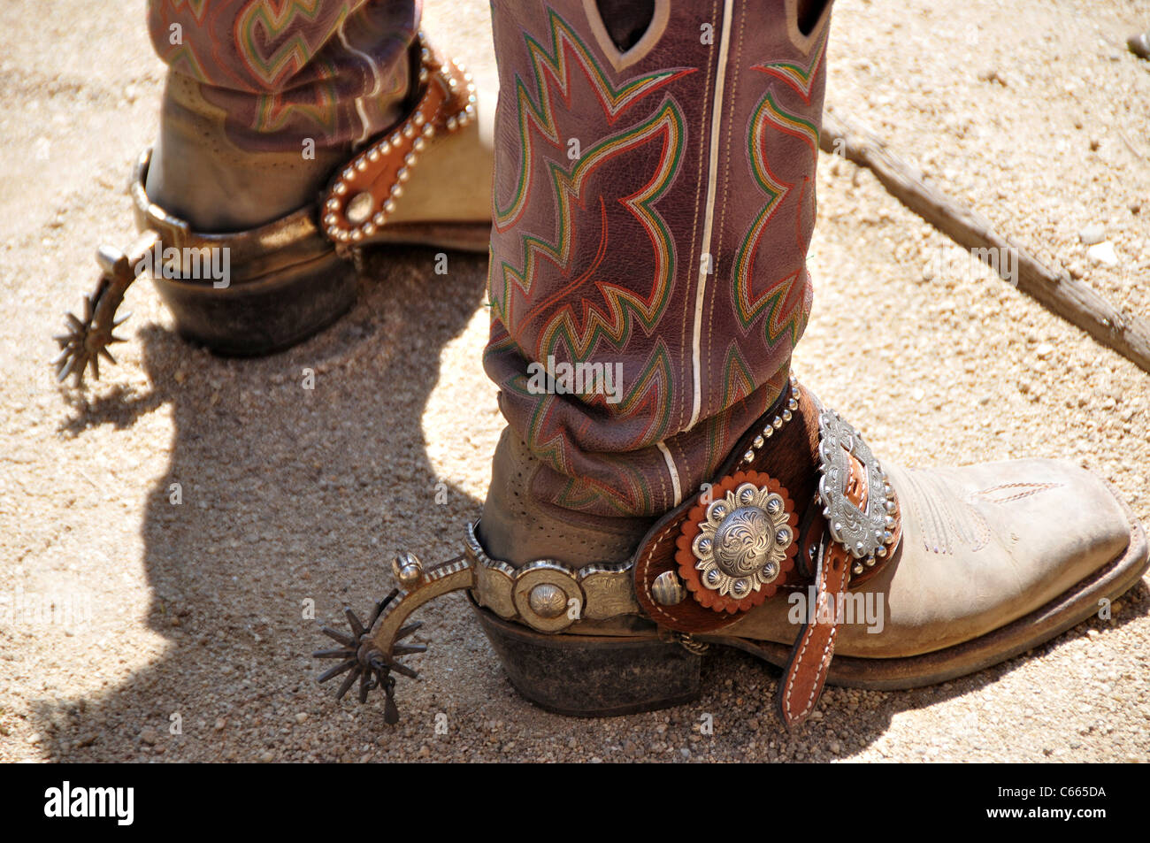 spur guys Men's western spurs for every discipline reining and cutting spurs, rock grinders, pleasure spurs, equitation spurs, cloverleaf rowel, ball end spurs.