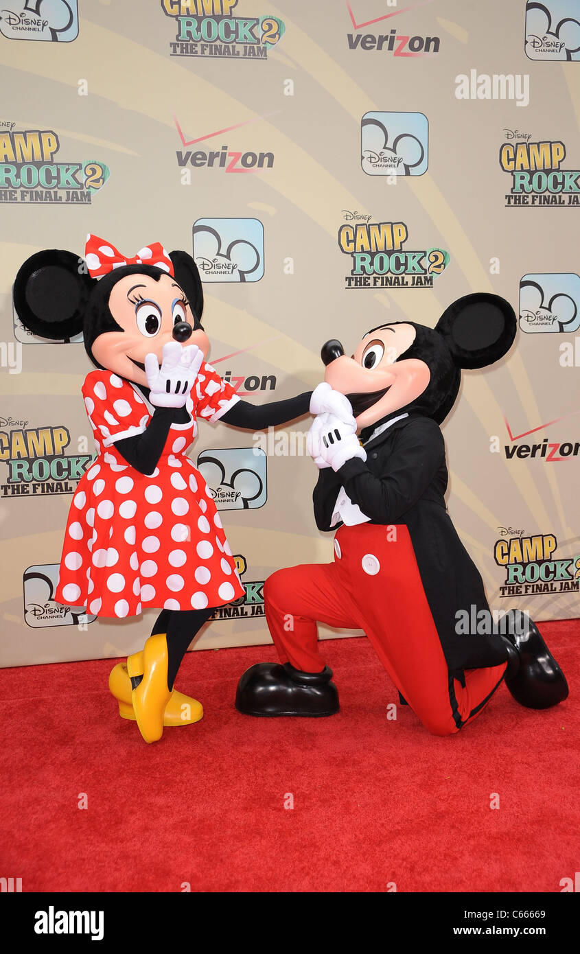 Minnie Mouse, Mickey Mouse at arrivals for CAMP ROCK 2 - THE FINAL JAM Premiere, Alice Tully Hall, Lincoln Center, - Stock Image