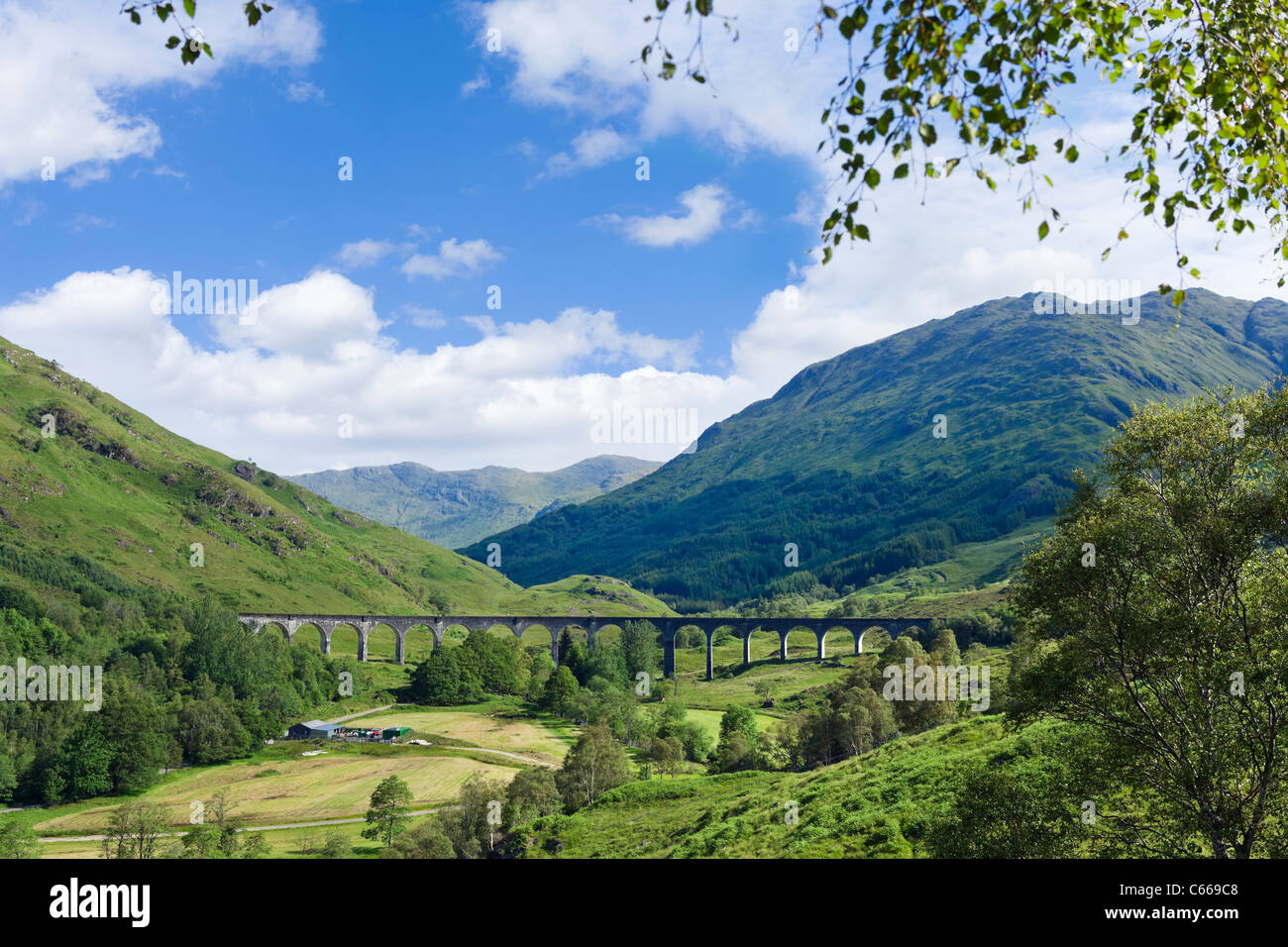 View of the Glenfinnan Viaduct on the West Highland Line, Glenfinnan, Lochabar, Scottish Highlands, Scotland, UK - Stock Image