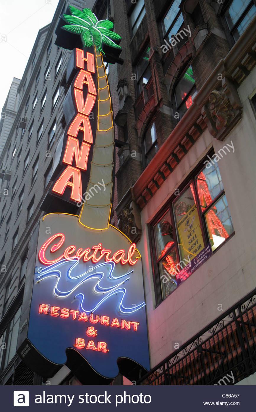 Manhattan New York City NYC NY Midtown 46th Street neon sign signage Havana Central Restaurant & Bar Cuban Food - Stock Image