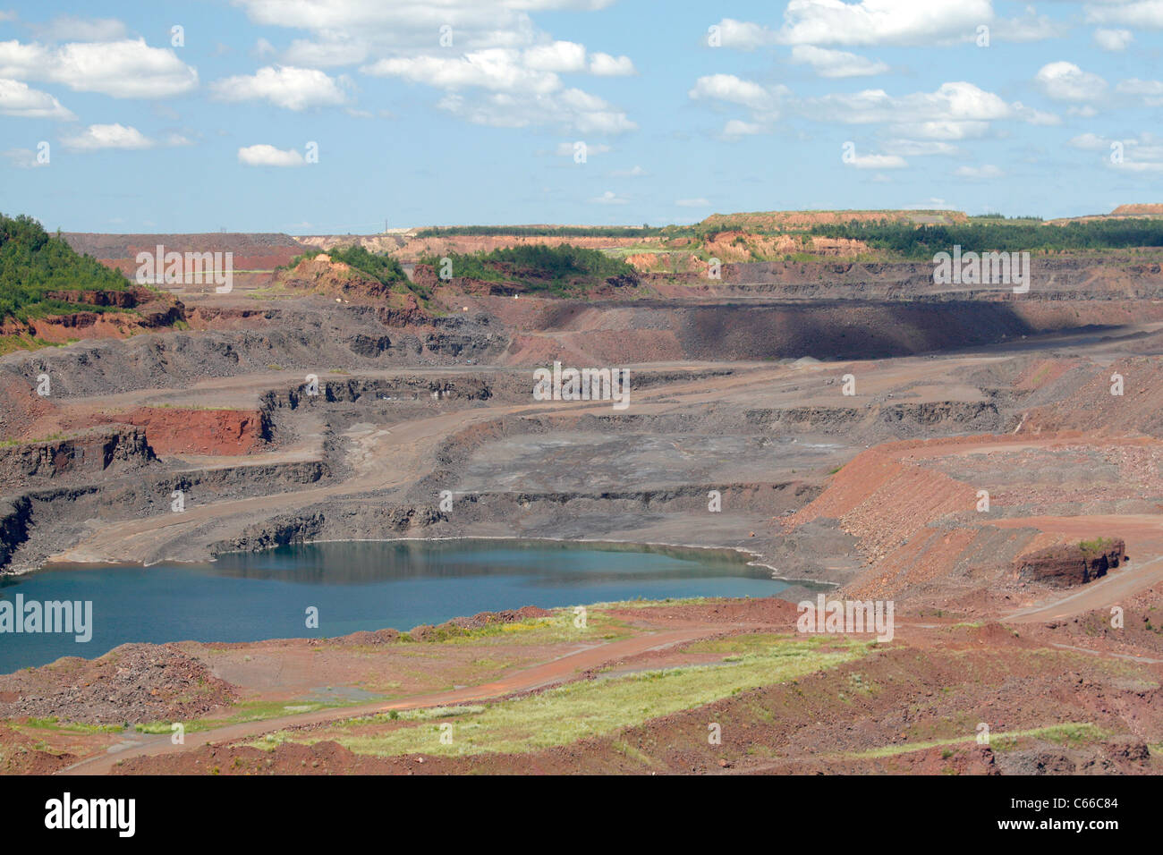 Hull Rust – Mahoning Open Pit Iron Mine, west side of pit - Stock Image