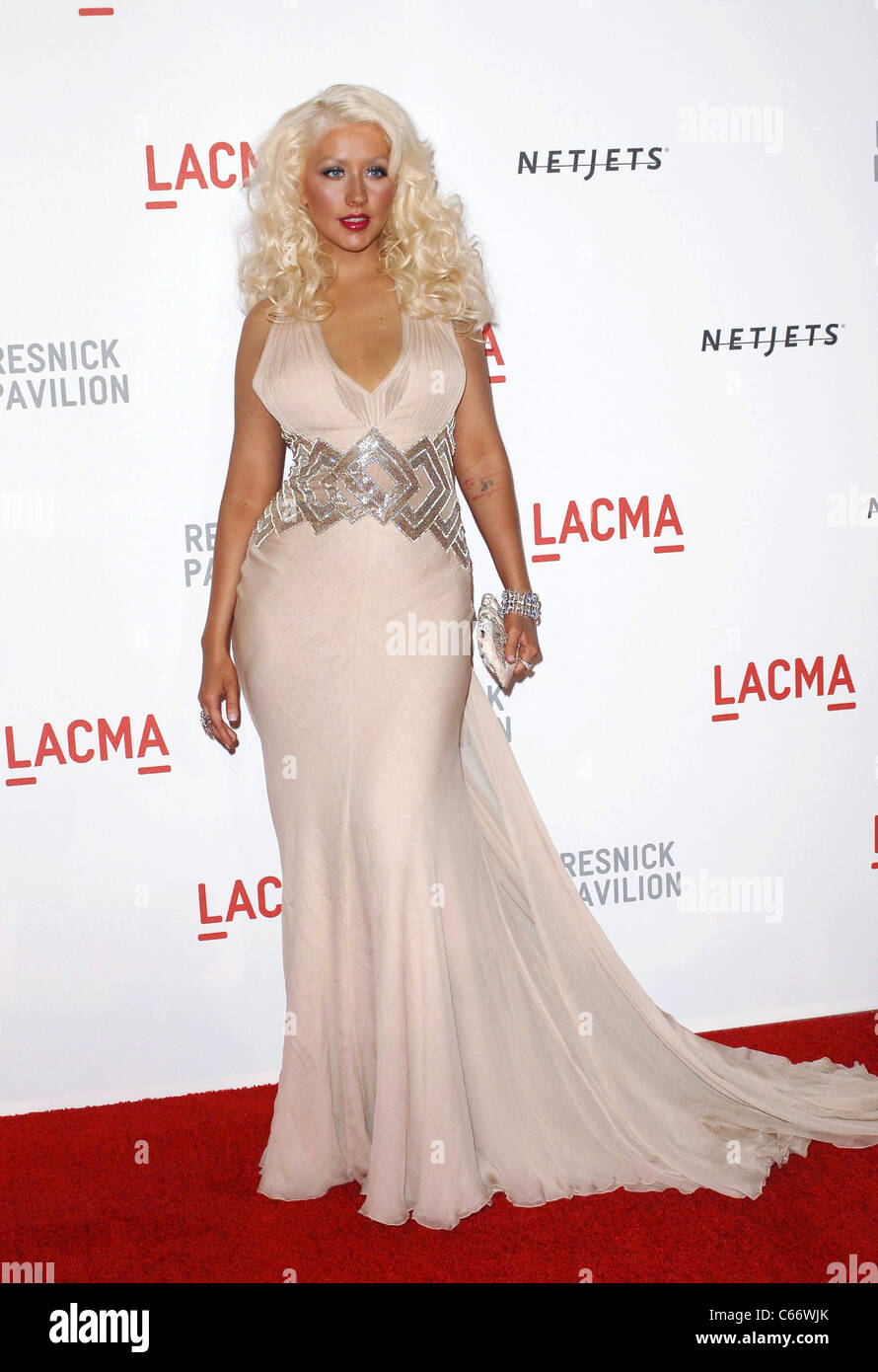 Christina Aguilera (wearing an Atelier Versace gown) at arrivals for ...
