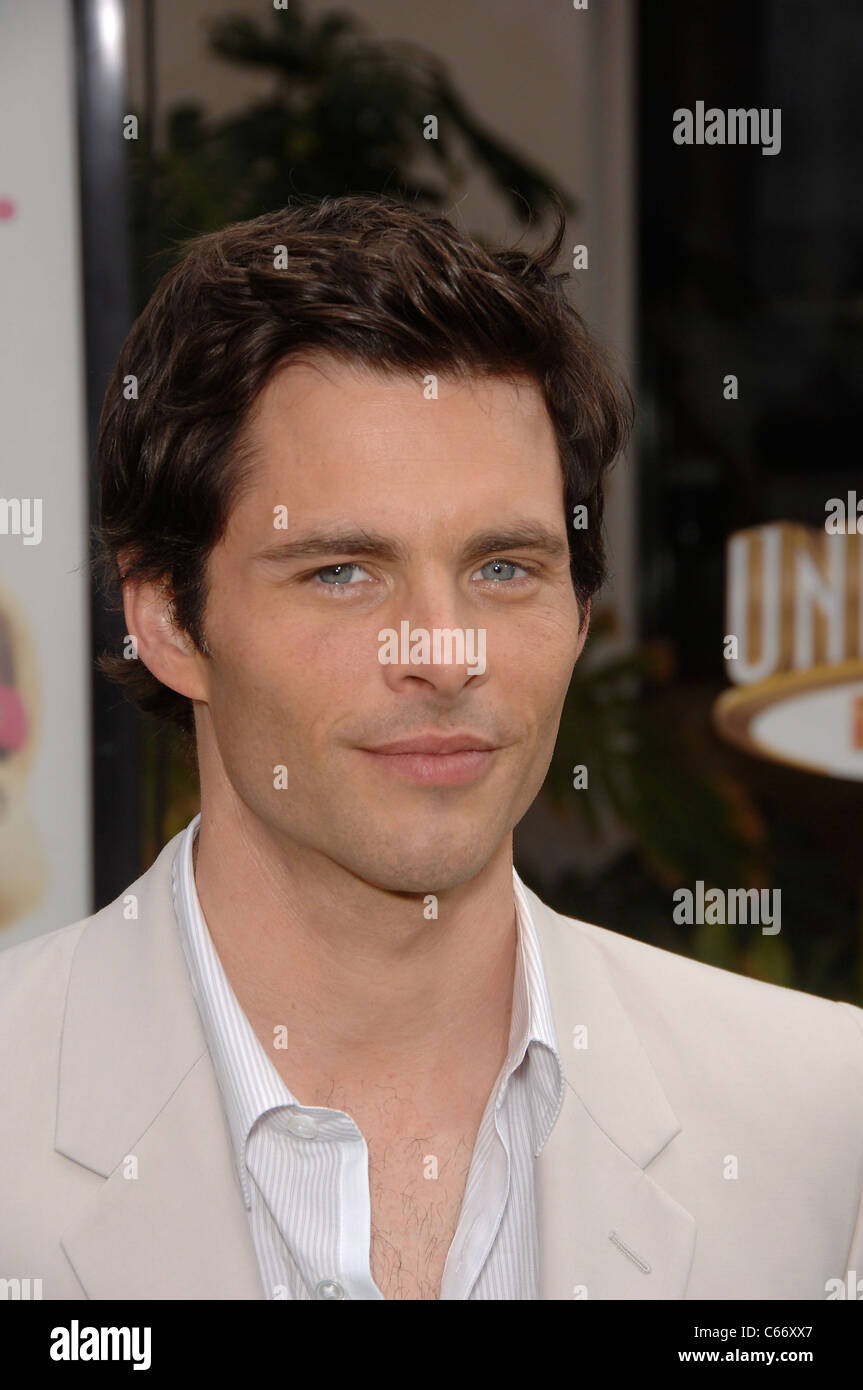 James Marsden at arrivals for HOP Premiere, Universal CityWalk, Los Angeles, CA March 27, 2011. Photo By: Michael Stock Photo