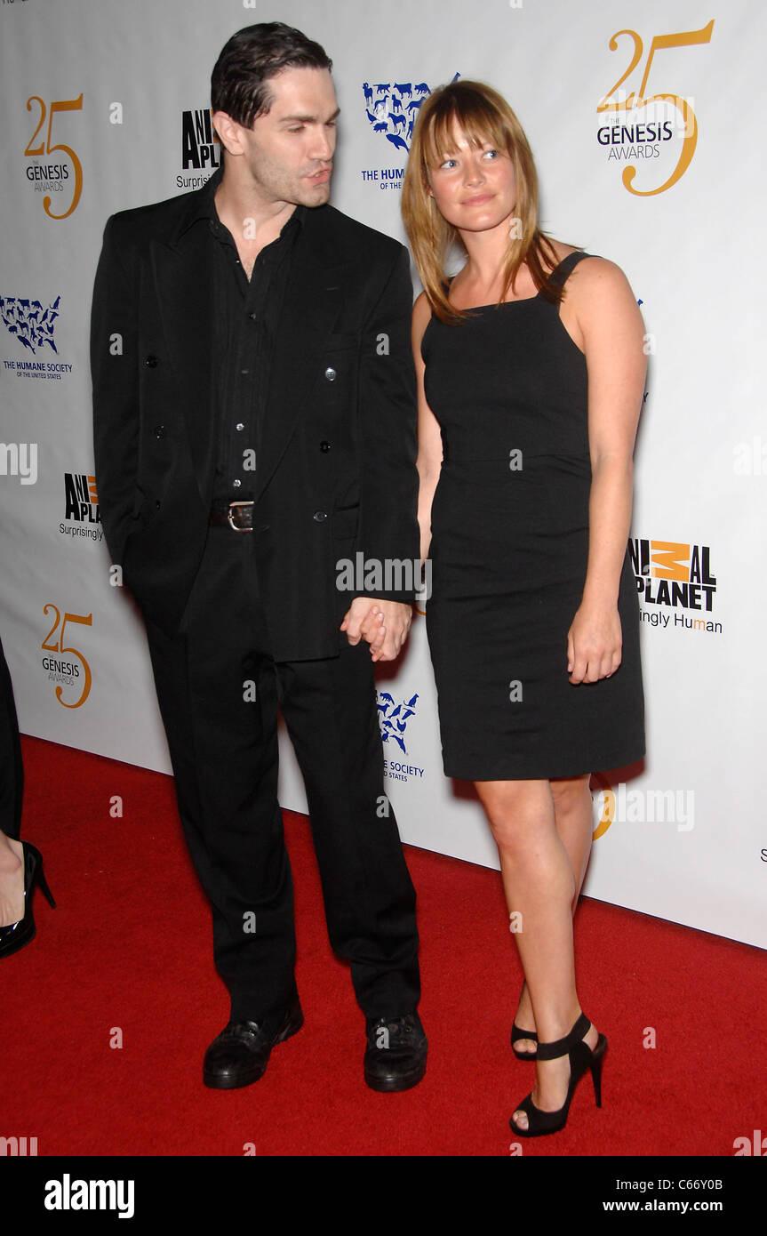 is Sam Witwer dating Sarah allen