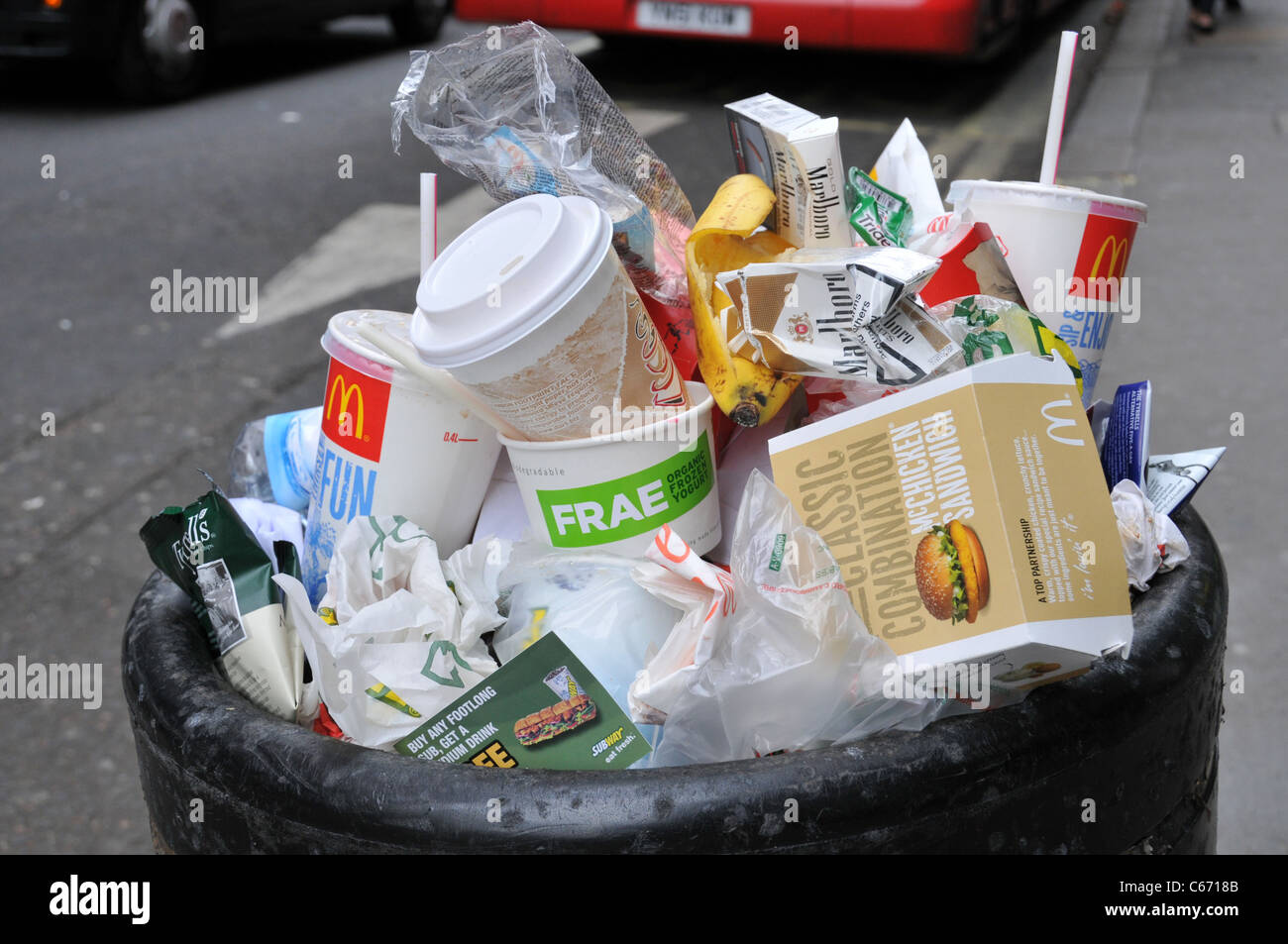 Plastic Wrap Car >> fast food litter packaging wrappers Macdonald's burgers litter bin Stock Photo: 38263355 - Alamy