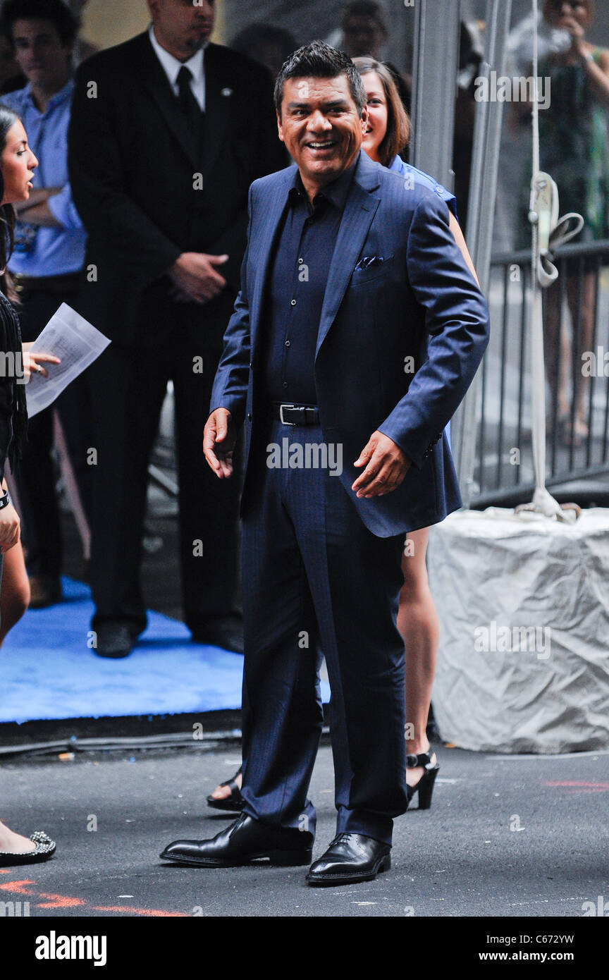 George Lopez, enters the Ziegfeld Theatre at the premiere of THE SMURFS, out and about for CELEBRITY CANDIDS - SUN, - Stock Image